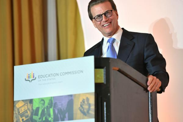 Lowell Milken accepting ECS award 1